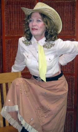 Kay Kuhlmann as Dale Evans